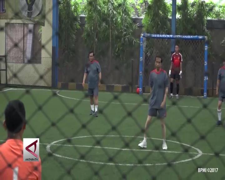 Presiden Tanding Futsal dengan Wartawan