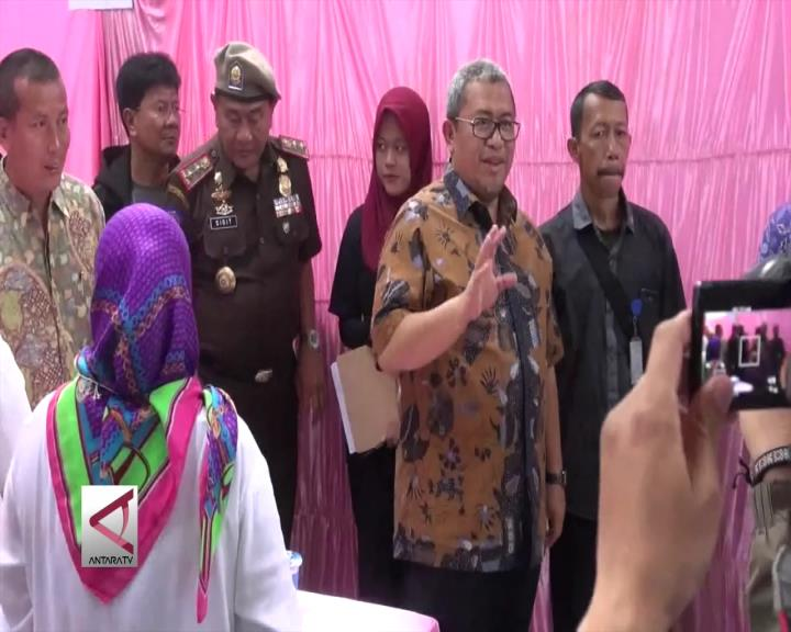 Gubernur Jabar Tinjau TPS di Kota Cimahi