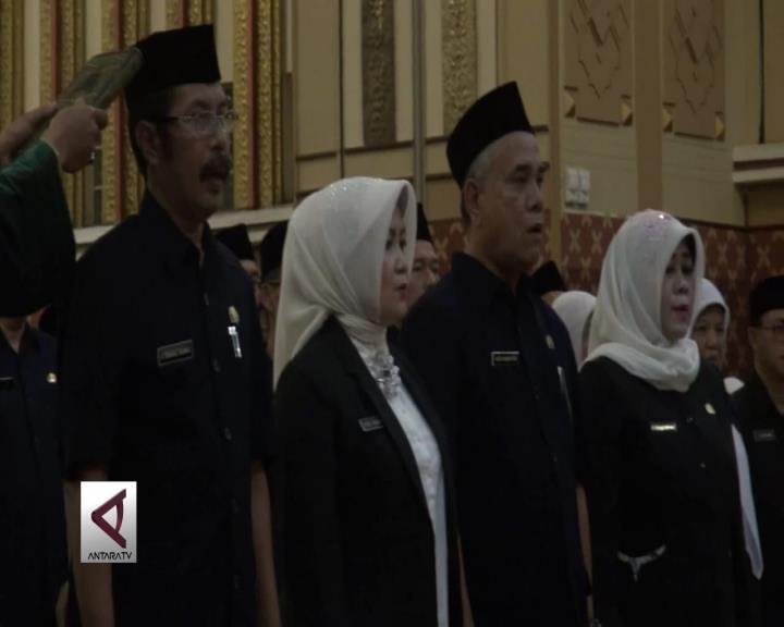 Gubernur Lantik 687 Kepala SMA-SMK Se-Jabar