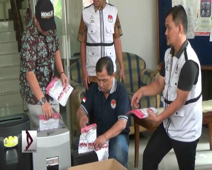KPUD Tangerang Musnahkan Surat Suara Rusak