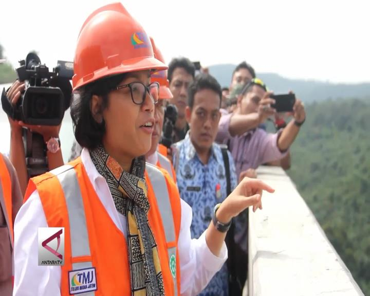 Menkeu Tinjau Jalan Tol Semarang-Solo
