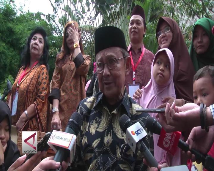Habibie Dorong SDM Iptek Indonesia