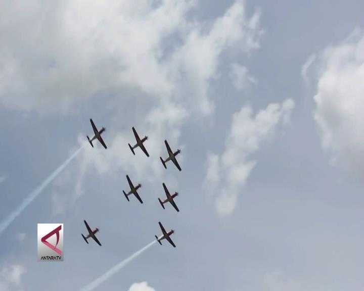 Jupiter Aerobatik Tim Unjuk Kepiawaian Bermanuver