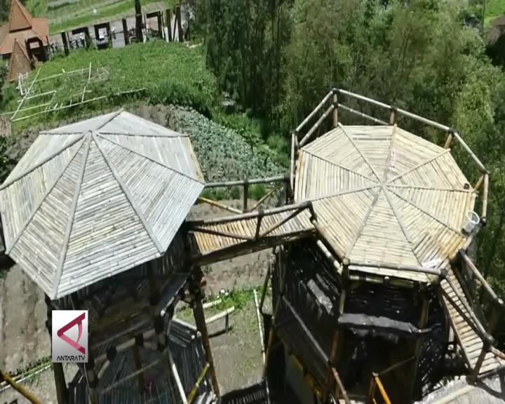 Oemah Bamboo Merapi Tarik Wisatawan