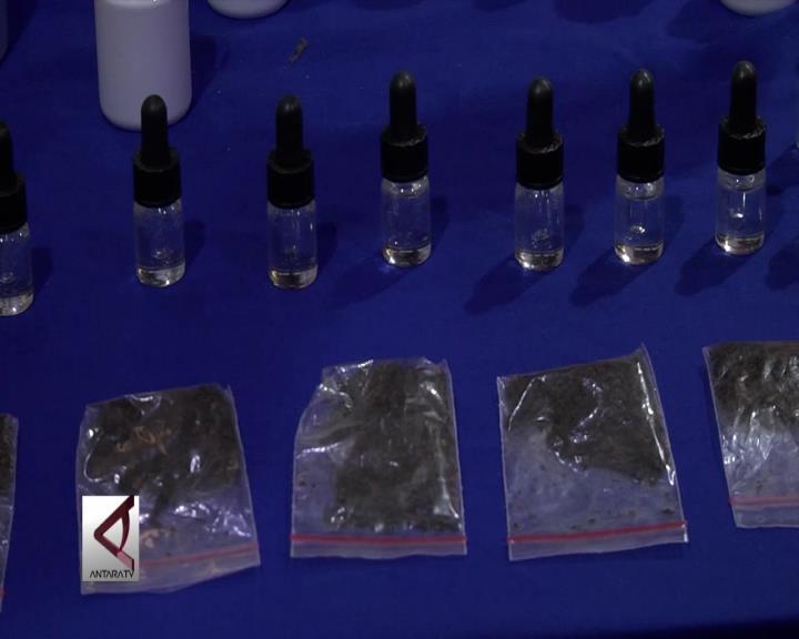 150 Botol Liquid Ganja Berhasil Diamankan
