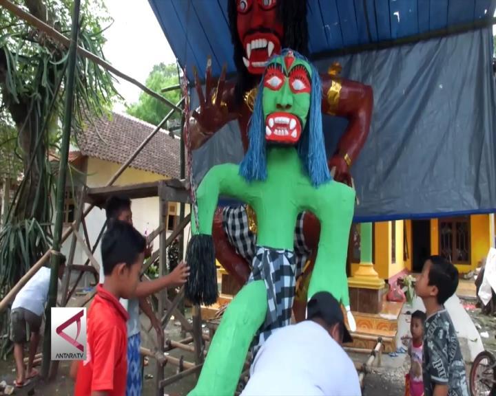 Warga Jember Gotong-Royong Sambut Hari Nyepi
