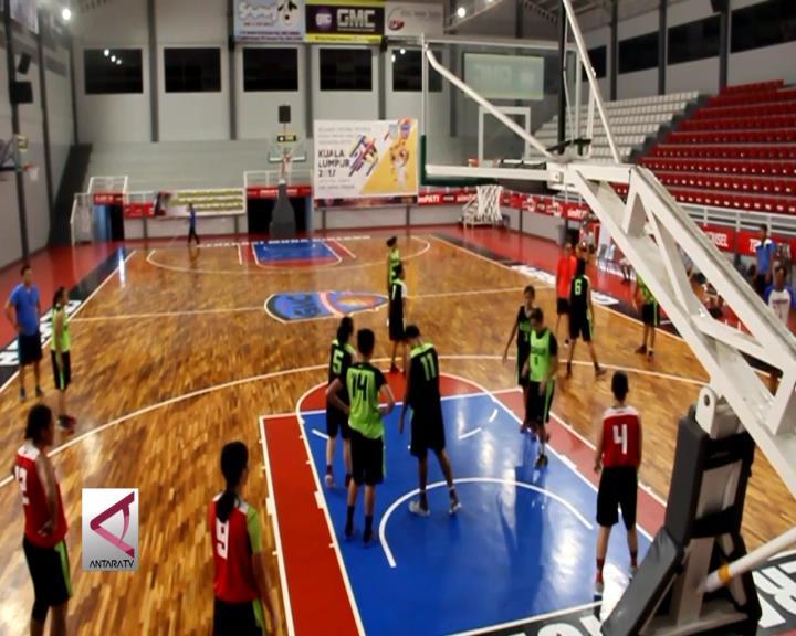 Latihan Intensif 16 Altet Timnas Basket Putri