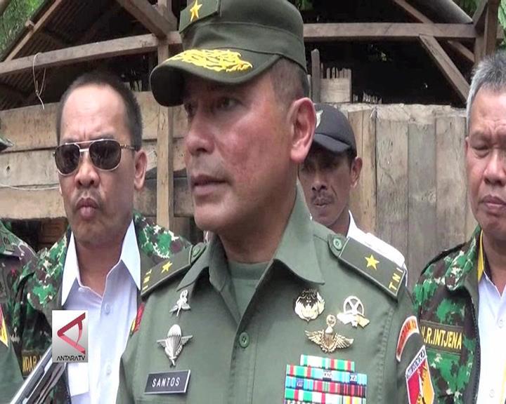 TNI Rehabilitasi Rumah Warga Tak Layak Huni di Sulteng