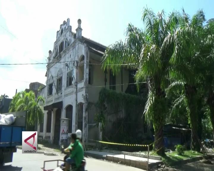 Menjelajah Situs Kota Tua di Kota Padang