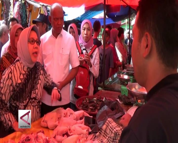 Pemantauan Stok Bahan Pangan di Palembang