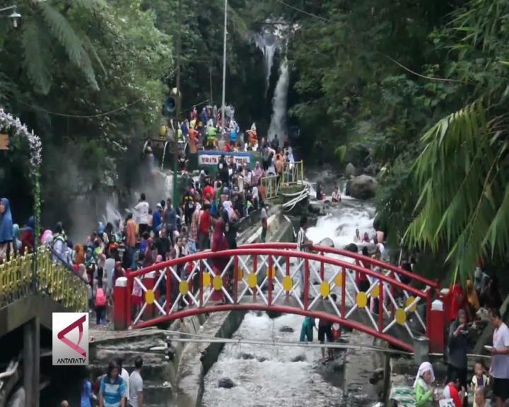 Guci, Objek Wisata di Kaki Gunung Slamet
