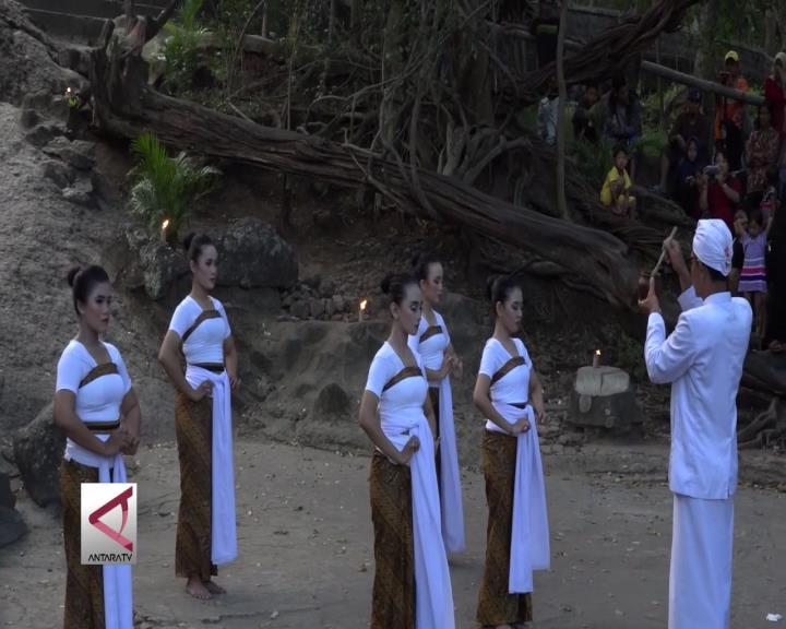 Lakon Dewi Kilisuci di Goa Selomangleng