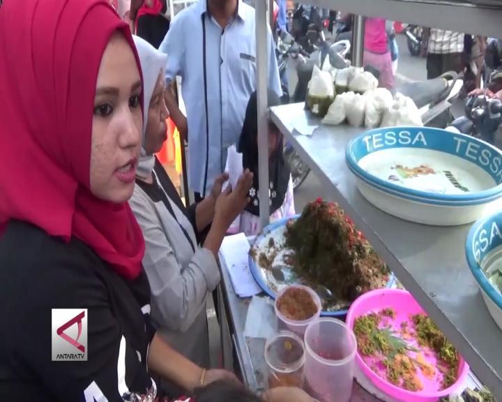 Penganan Berbuka di Sepanjang Jalan Muhammad Jam