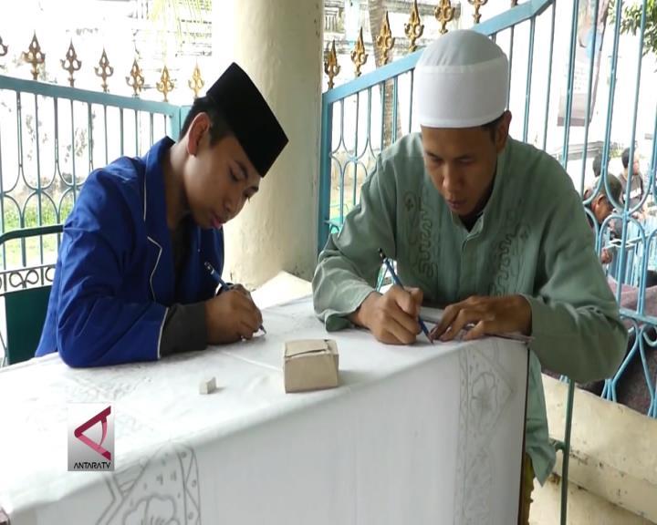 Mengisi Ramadan dengan Membatik Ayat Alquran