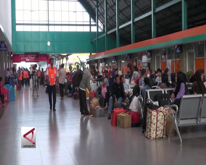 Stasiun Kertapati Palembang Mulai Padat