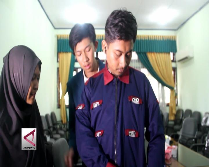 Mahasiswa Undip Ciptakan Jaket Tuna Netra