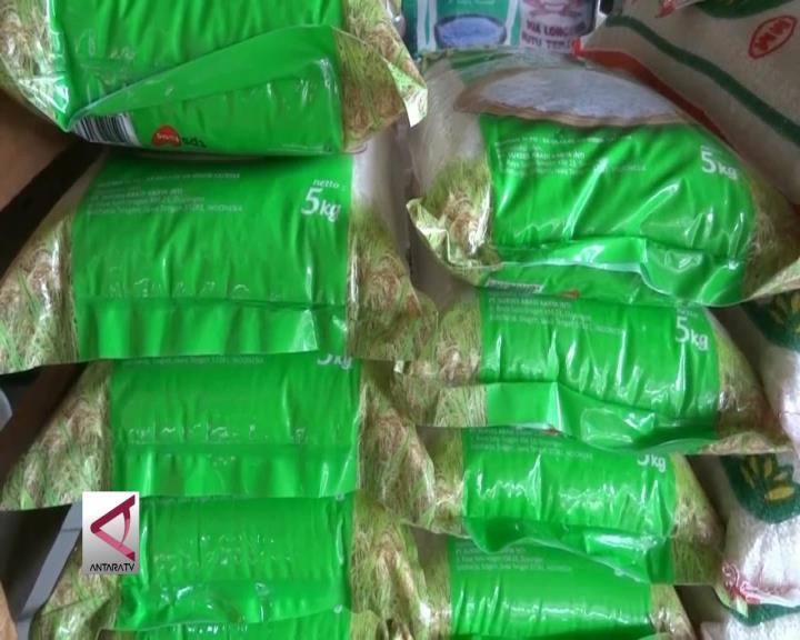 Beras Maknyus Masih dijual Pedagang Pasar Banten
