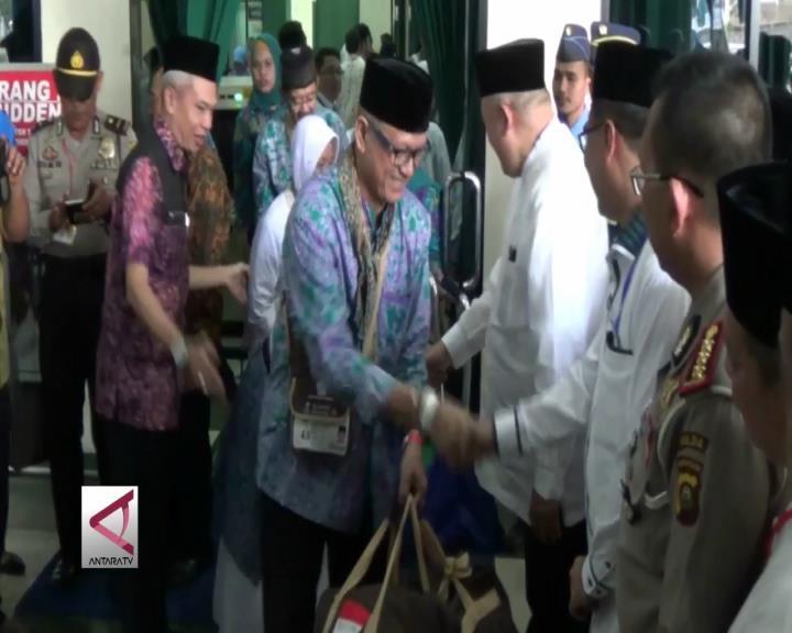 449 Jamaah Haji Sumsel Kloter Pertama Diberangkatkan