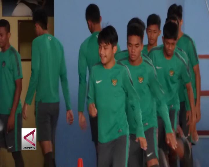Pemain Timnas U19 Jalani Latihan Terus Berlatih