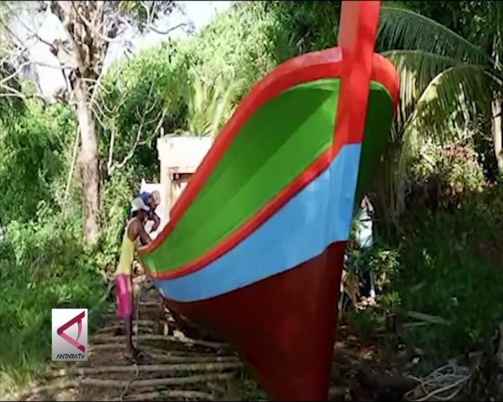 Tradisi Turun Kapal di Pulau Cempedak