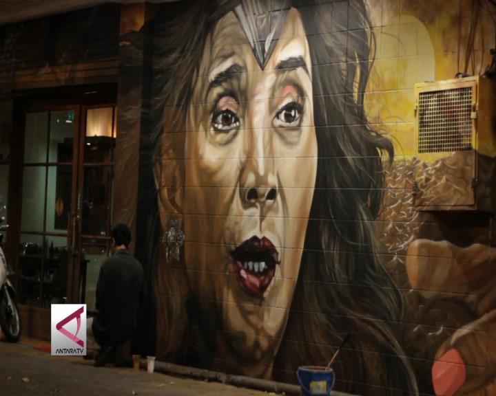 Saat Menteri Susi Jadi Wonder Woman di Dinding Kota Solo