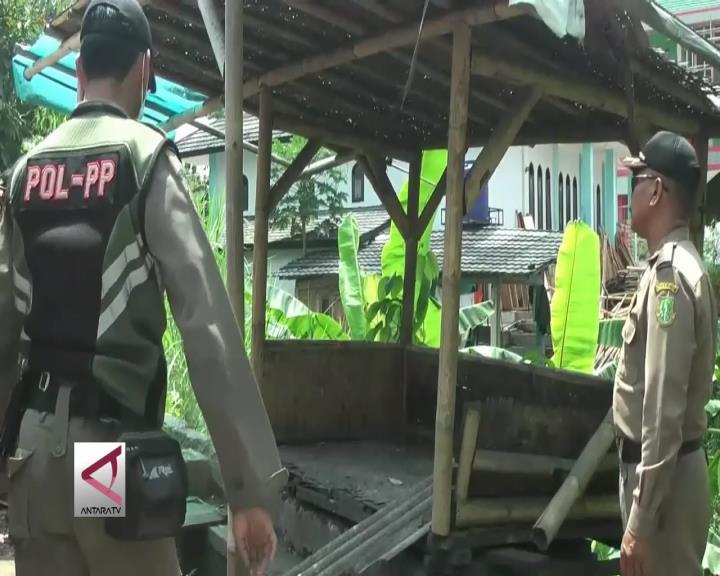 Pemda Sukabumi Tertibkan Puluhan Lapak Liar