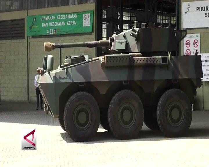 Dukung PT Pindad, Menhan Tinjau Produksi Medium Tank