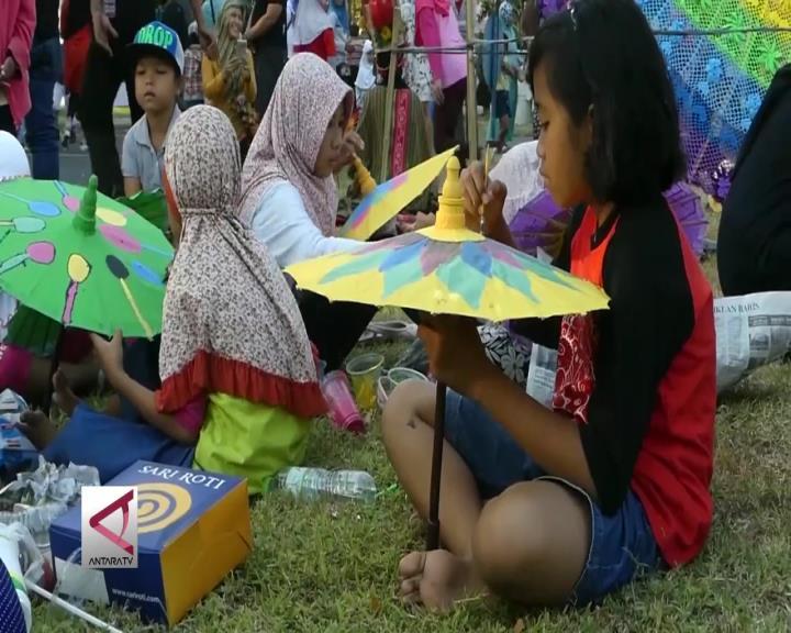 Semarak Festival  Ratusan Payung Nusantara