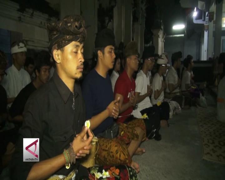 Ratusan Umat Hindu di Jogja Gelar Doa Bersama
