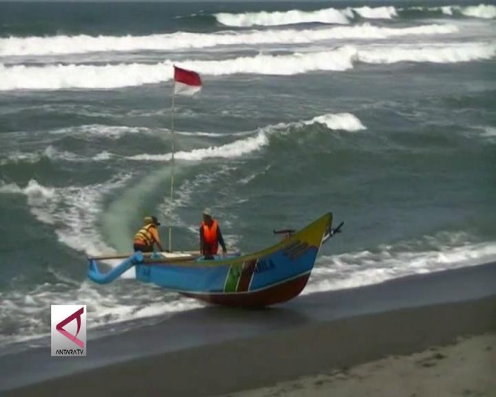 Tangkapan Ikan Nelayan Pantai Depok Berlimpah