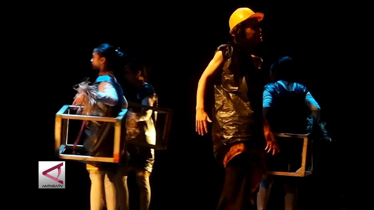 Parade Teater Kampus Seni Tampilkan Kekayaan Tradisi