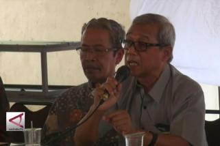 Busyro Muqoddas  nilai ada agenda dibalik penolakan mundur Ketua MK