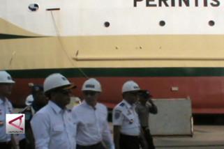 Menhub tinjau pembuatan 7 kapal di Kalbar