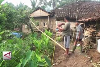 BPBD Kulon Progo lakukan kajian parsial di titik rekahan tanah
