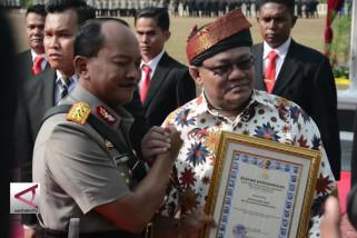 Penghargaan khusus pemberantas narkoba dan korupsi