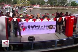 Manfaatkan sungai untuk sosialisasi pesta demokrasi