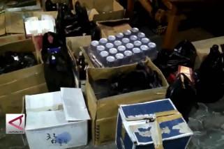 Polres Cilegon sita ribuan botol miras