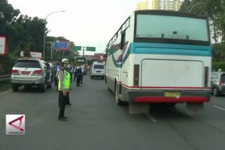 Situasi uji coba sistem ganjil genap di Tol Tangerang