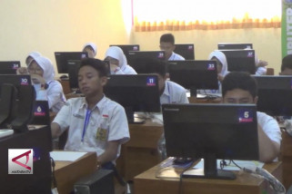 Hari Kedua UNBK SMP di Pekalongan lancar