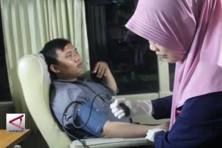 PMI berburu pendonor dengan mobil unit donor darah