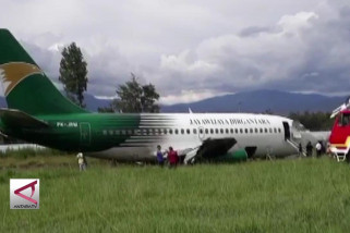Tergelincir di Wamena, mesin pesawat kargo terlepas