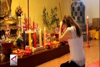 Umat Budha ajak jaga keharmonisan dan kedamaian