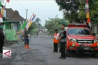 Hujan Abu di Magelang, BPBD bagikan masker