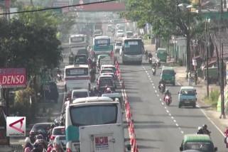 Polisi berlakukan buka tutup jalan di Jalur Selatan Nagreg