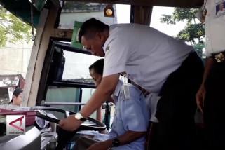 Memastikan bus lulus uji kelayakan