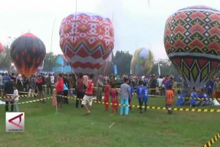 Syawalan di Pekalongan dengan balon warna-warni
