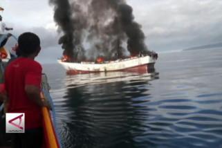 ABK berkelahi, kapal terbakar di tengah Laut Ambon