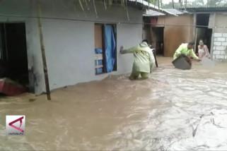 Banjir rendam sejumlah kawasan di Ambon