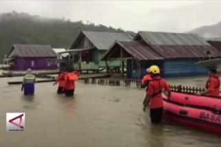 Banjir rendam Konut, akses jalan trans Sulawesi terputus