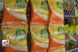 Bulog Batang mulai edarkan beras sachet